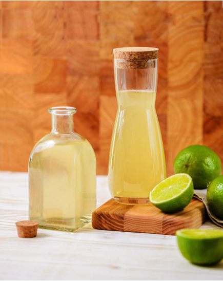 """How to make a delicious BarGuys homemade lime cordial  = Cocktail """"Gimlet"""" with a twist"""